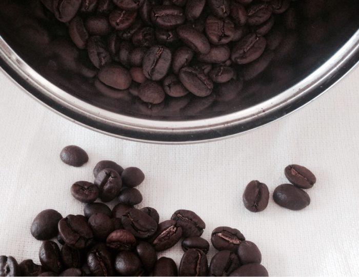 Idealna kawa – nieśpieszna, świadoma, naga. Jak to osiągnąć?