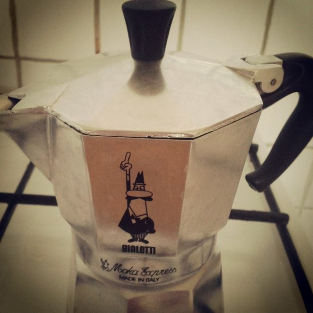 Efekt latte – czy także Tobie utrudnia osiągnięcie wolności finansowej?