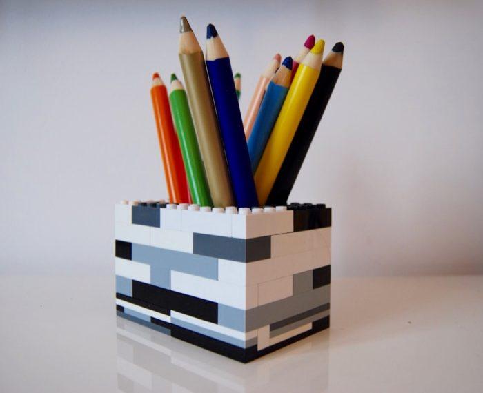 DIY - pojemnik na ołówki z klocków lego